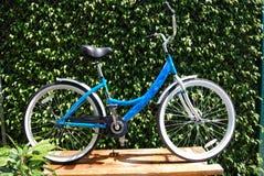 Bicicleta femenina Foto de archivo libre de regalías