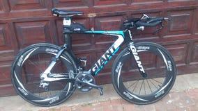 Bicicleta gigante do triathlon Imagens de Stock Royalty Free