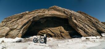Bicicleta gorda de Fatbike ou bicicleta do gordo-pneu imagens de stock