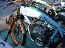 Bicicleta motorizada antigüedad Foto de archivo libre de regalías