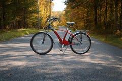 Bicicleta na estrada II fotos de stock royalty free