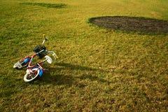 Bicicleta na jarda Imagens de Stock