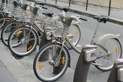 Bicicleta no aluguer em Paris Imagem de Stock Royalty Free