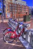 Bicicleta que alquila la estación en HDR Imagen de archivo libre de regalías