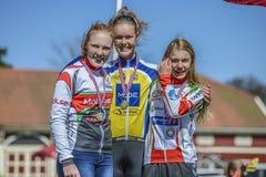 Bicicleta que compite con, ciclismo en ruta (ceremonia de premios para el más joven) Foto de archivo