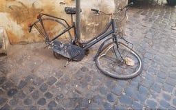 Bicicleta quebrada fotografia de stock