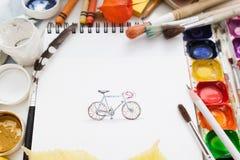 Bicicleta representada bonita com fontes do desenho foto de stock