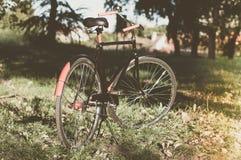 Bicicleta retro com folha de prova do vintage Imagem de Stock