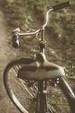 Bicicleta retro com folha de prova do vintage Fotografia de Stock
