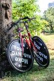 Bicicleta roja Foto de archivo libre de regalías