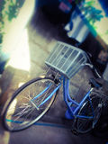 Bicicleta urbana das senhoras imagens de stock