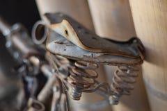 Bicicleta usada velha fotografia de stock royalty free