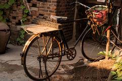 A bicicleta velha Fotos de Stock Royalty Free