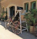 Bicicleta velha antiques fotografia de stock