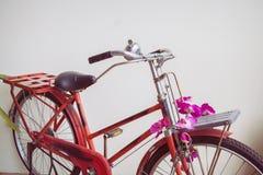 Bicicleta velha clássica decorada Fotografia de Stock Royalty Free