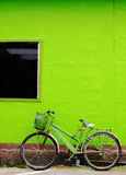 Bicicleta verde imagem de stock royalty free