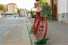 Bicicleta vermelha antiga Fotos de Stock Royalty Free