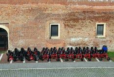 Bicicletas coloridas parqueadas fotos de archivo libres de regalías