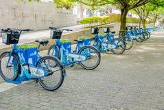 Bicicletas compartilhadas pela municipalidade de Medellin Colômbia Fotos de Stock Royalty Free