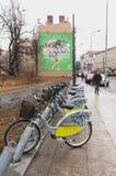 Bicicletas de alquiler Imagenes de archivo