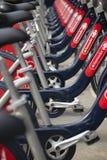 Bicicletas de alquiler en Londres Fotografía de archivo libre de regalías