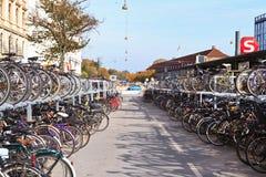 Bicicletas em Copenhaga, Dinamarca Foto de Stock Royalty Free