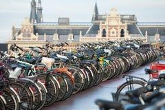 Bicicletas en Amsterdam Foto de archivo libre de regalías