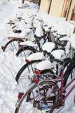 Bicicletas en el invierno Imagen de archivo libre de regalías