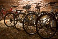 Bicicletas estacionadas Imagem de Stock Royalty Free