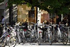 Bicicletas estacionadas em Munich Imagens de Stock Royalty Free