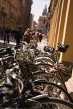 Bicicletas estacionadas no centro da Bolonha Imagem de Stock Royalty Free
