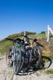 Bicicletas na praia Fotos de Stock