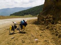 Bicicletas na rota arenosa Imagem de Stock Royalty Free