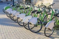 Bicicletas públicas Imágenes de archivo libres de regalías