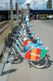 Bicicletas para el alquiler Imagenes de archivo