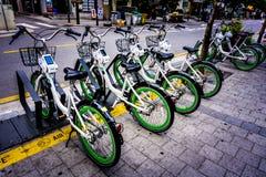 Bicicletas para el alquiler - Seul Foto de archivo