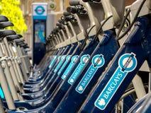 Bicicletas para o aluguel em Londres Imagens de Stock