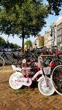 Bicicletas parqueadas, Amsterdam Foto de archivo