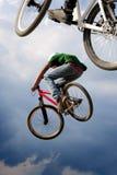 Bicicletas transportadas por via aérea Foto de Stock