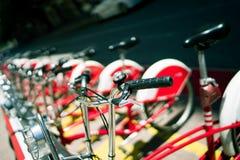 Bicicletas vermelhas de Barca Fotos de Stock Royalty Free