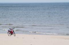 Bicicletta, bici su una spiaggia Fotografia Stock Libera da Diritti