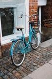 Bicicletta blu fotografie stock libere da diritti