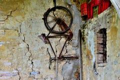 Bicicletta della parete immagine stock