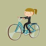 Bicicletta di guida della donna del fumetto dell'impiegato di concetto Bici da funzionare Fotografia Stock Libera da Diritti