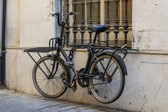 Bicicletta Locked fotografia stock