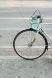 Bicicletta parcheggiata sulla via a Toronto Fotografia Stock Libera da Diritti