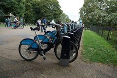 Bicicletta in parco a Londra Fotografia Stock