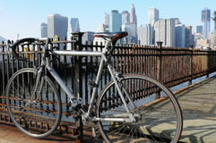 Bicicletta sopra New York Fotografia Stock