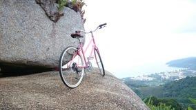Bicicletta sulla roccia Fotografia Stock Libera da Diritti