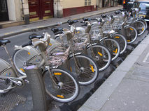 Biciclette di Velib, Parigi Fotografie Stock Libere da Diritti